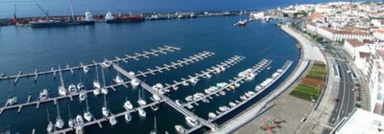 Três homens da UE detidos em Ponta Delgada: Apreendidos 200 quilos de cocaína a bordo de embarcação