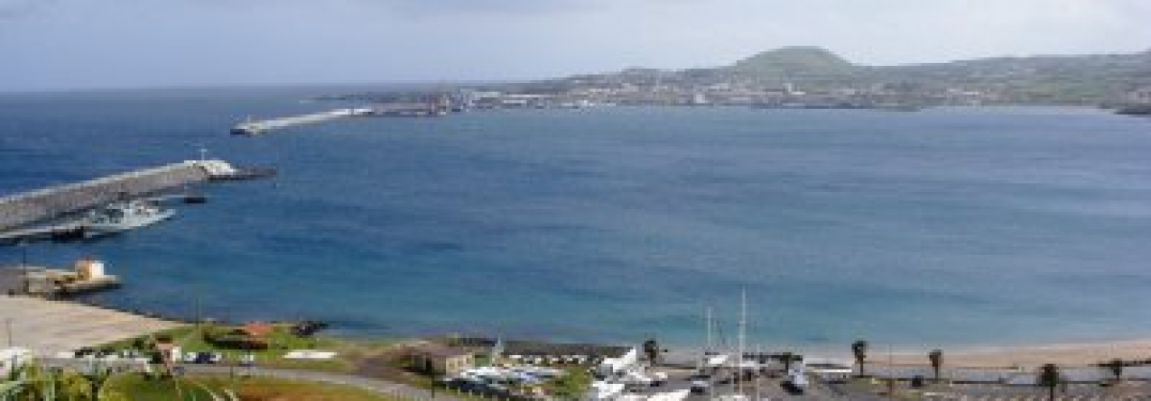 Exercício testou contenção de derrame de combustível na Praia da Vitória, na Terceira