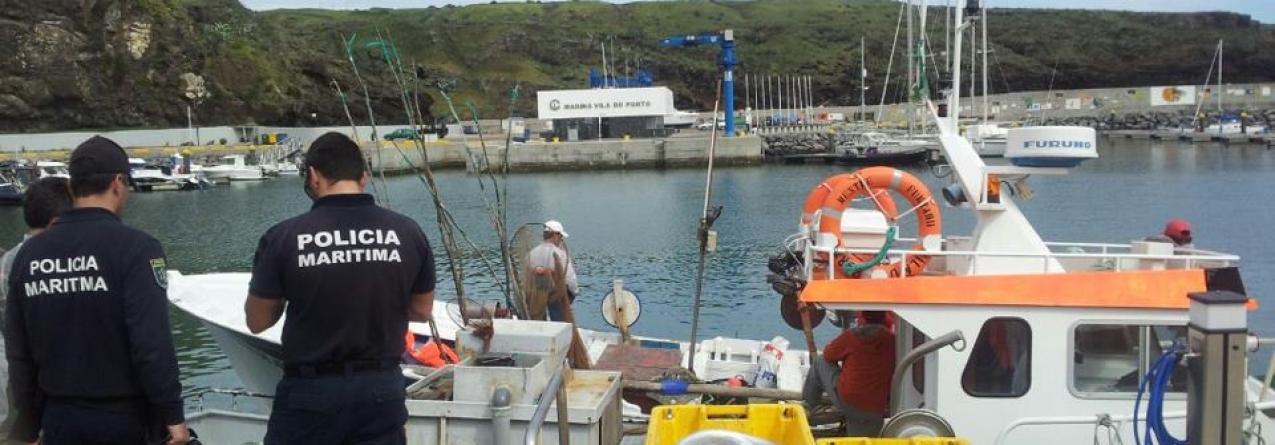 Marinha apreende embarcação em pesca ilegal nos ilhéus das Formigas