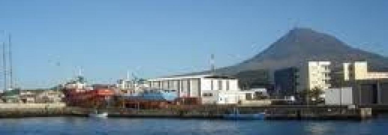 """Governo em """"conversações avançadas"""" para reativar estaleiros navais da Madalena, no Pico"""