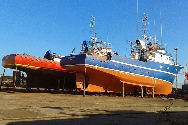 Estaleiros da Madalena, no Pico, estarão operacionais para varar embarcações dentro de poucos dias, afirma Brito e Abreu