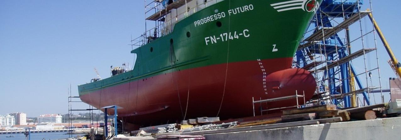 Estaleiros nacionais constroem 30 barcos de pesca para Angola