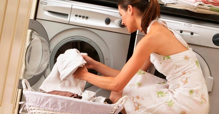 Cada vez que lava a roupa está a poluir o oceano
