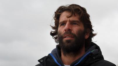 Hugo Vau, escudeiro de McNamara vive do mar e perto deste, na ilha Terceira