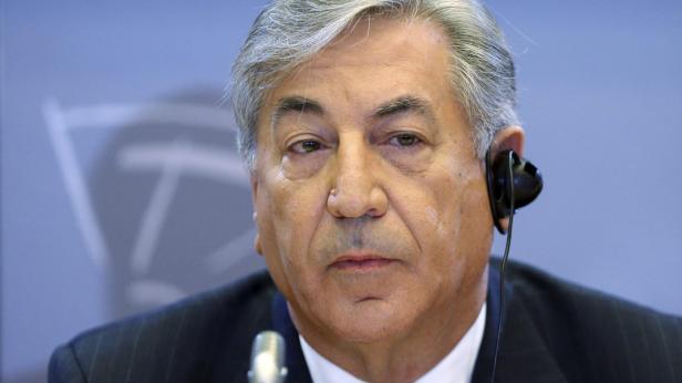 Karmenu Vella quer Europa virada para o mar