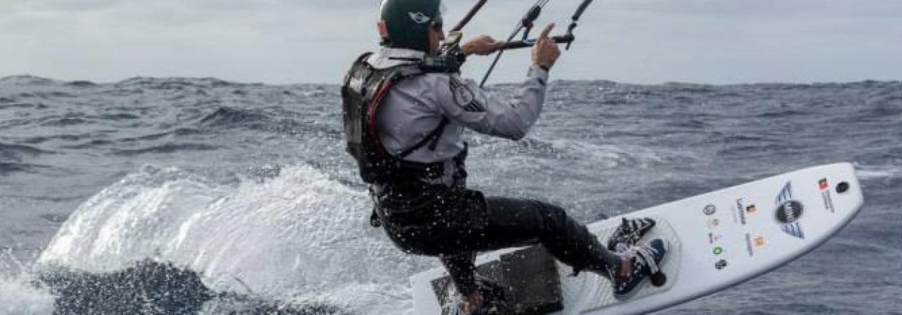 Francisco Lufinha conseguiu fazer os 300 quilómetros que separam as Ilhas Selvagens e o Funchal em kitesurf (vídeo)