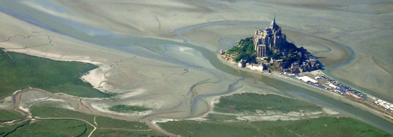 Aldeia medieval francesa isola-se com a subida do mar