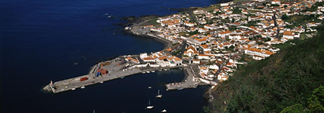 Porto de Velas, São Jorge, ampliado e com gare de passageiros dentro de dois anos