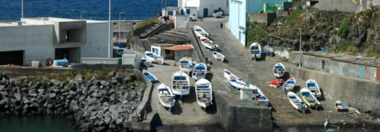 Governo dos Açores investe 260 mil euros em novas casas de aprestos em Rabo de Peixe