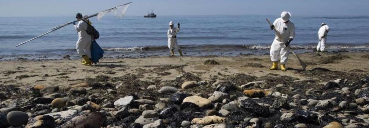 Derrame de petróleo coloca Califórnia em alerta