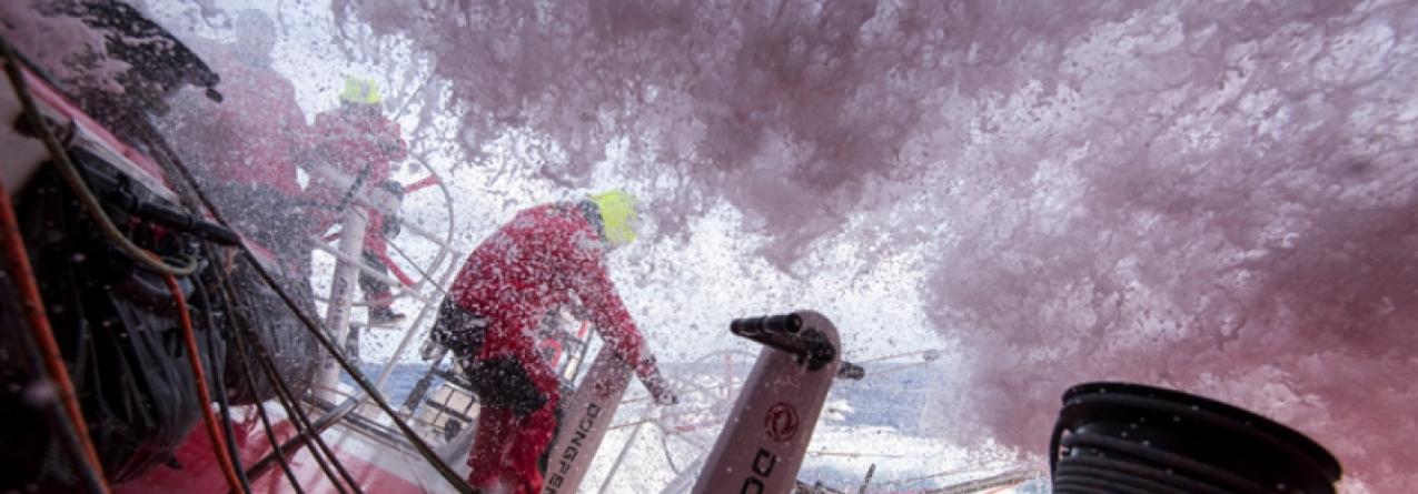 Volvo Ocean Race // Reta final da sexta etapa pelo Triângulo das Bermudas
