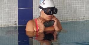 Campeonato Nacional Indoor de Apneia // Simone Martins bate o recorde nacional de apneia dinâmica sem barbatanas