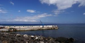 Ilha do Pico // Esclarecimento sobre a grua no Porto do Calhau