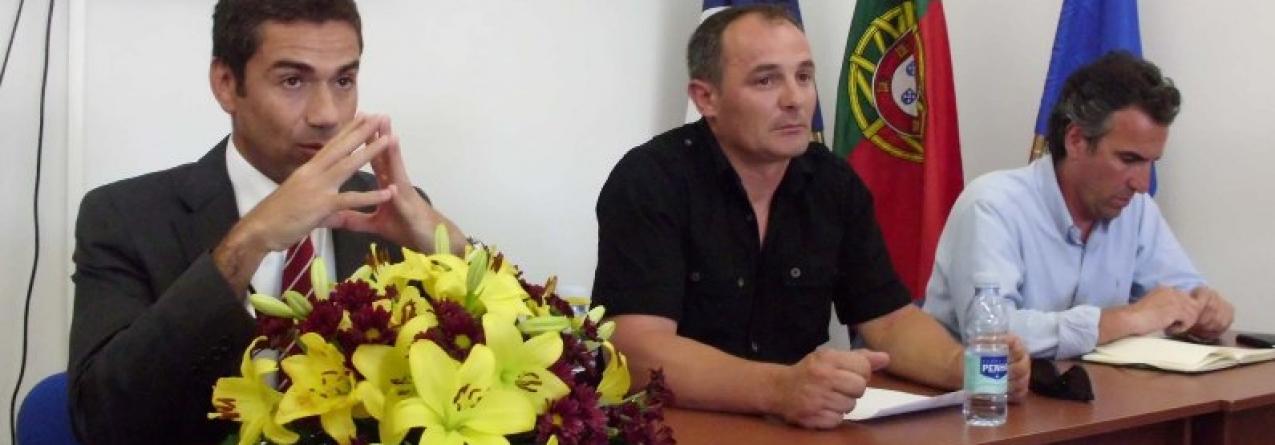 Governo dos Açores promove contacto entre cientistas e apanhadores de algas