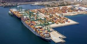 Sines (já) é um dos 100 maiores portos de contentores do mundo