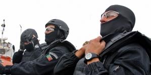 Polícia Marítima toma navio de assalto após motim e pedido de socorro