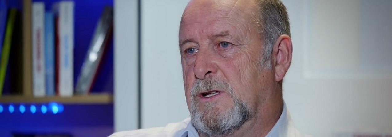 Militar que afundou navio da Greenpeace pede desculpas passados 30 anos