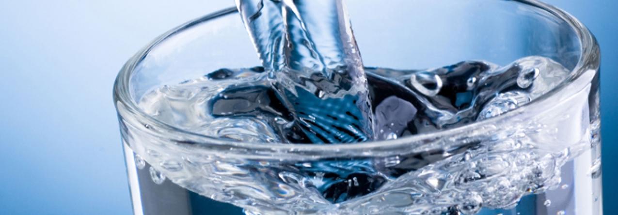 Há uma nova forma de transformar água salgada em água doce