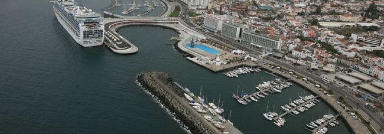 """Modelo de concessão da gestão portuária em Cabo Verde """"é atitude inteligente que deve ser estudada nos Açores"""""""