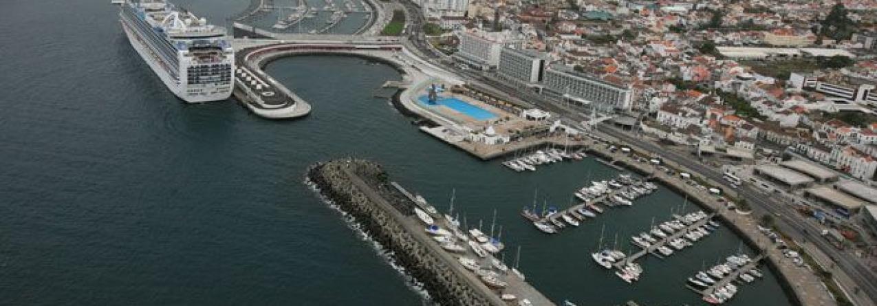 A 'Portos dos Açores' vai investir 30 milhões em 2016 mas apenas 666 mil euros no porto de Ponta Delgada