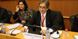 """Serrão Santos defende proteção Europeia para pesca de """"salto e vara"""""""