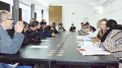 """São Miguel // Pescadores com a """"corda ao pescoço"""" lutam para o seu trabalho diário proporcionar condições de vida digna"""