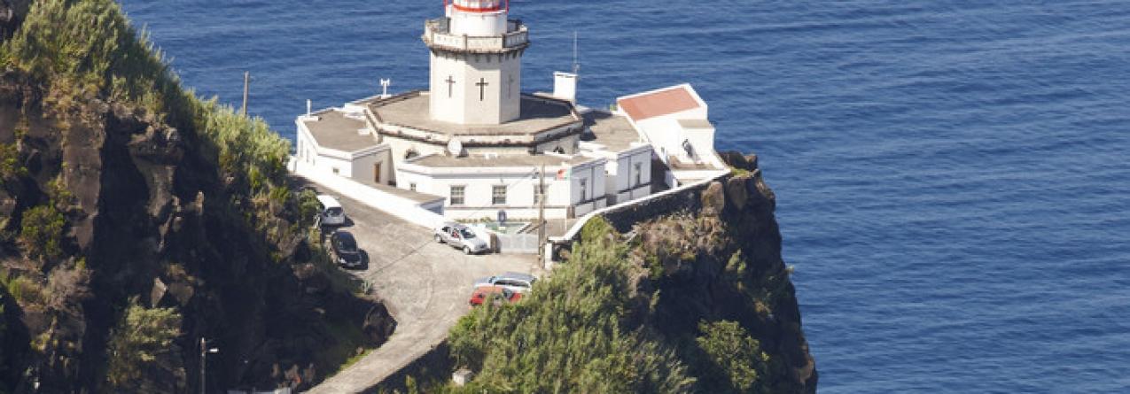 Farol mais antigo dos Açores é guardado e mantido por dois irmãos