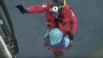 Quatro tripulantes de embarcação naufragada nos Açores resgatados com vida (vídeo)