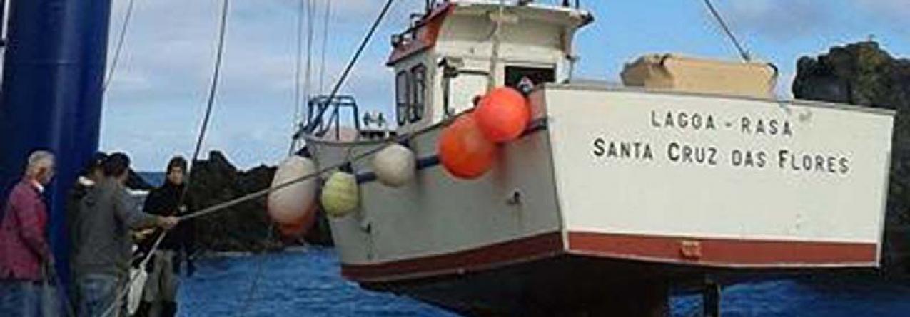 Porto das Poças, na ilha das Flores, tem nova grua