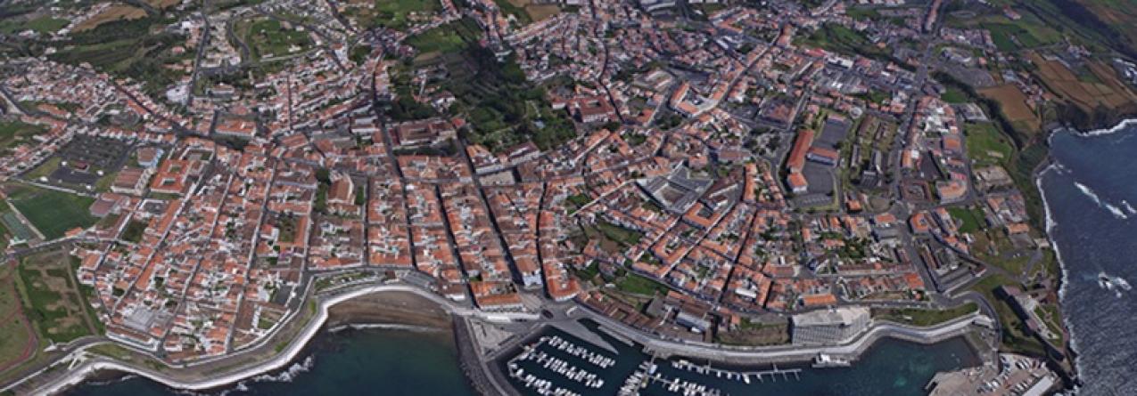 Ilha Terceira // Cais do Porto das Pipas prolongado para sul em 94 metr