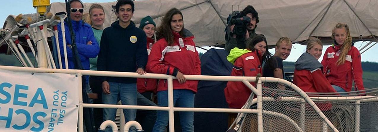 Regina Maris com estudantes do Faial passa pelos Açores (vídeo)