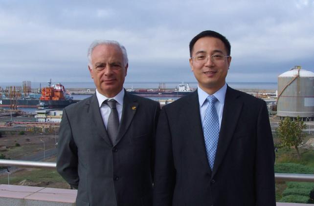 Empresas chinesas procuram porto português para canalizar mercadorias para a Europa