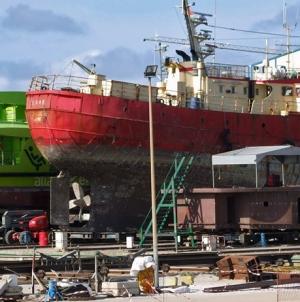 """Estaleiros Navais de Peniche """"em situação económica muito difícil"""" com crise de Angola"""