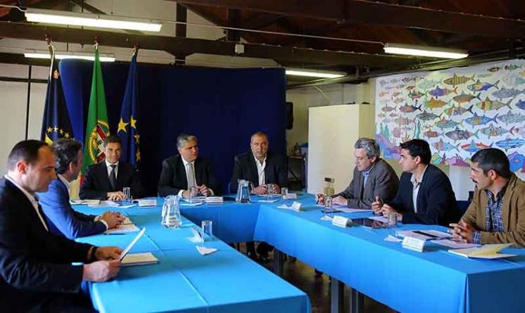 Presidente do Governo dos Açores recebe relatório de Grupo de Trabalho com orientações e medidas concretas para o setor das Pescas