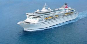 """Incêndio no navio """"Black Watch"""" com 1061 pessoas a bordo a 400 km de São Miguel"""