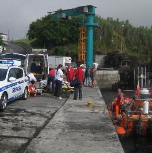 Faial // Evacuação Médica de tripulante da embarcação de pesca Bela Aurora