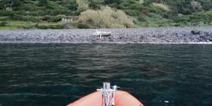 Veleiro encalhado na costa Norte da Ilha de São Jorge
