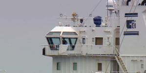 Há compradores para navio abandonado no porto da Horta (vídeo)