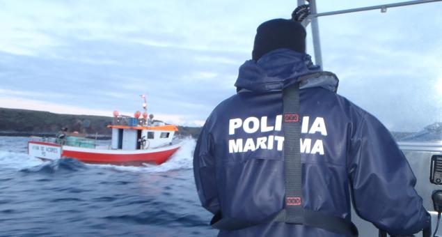 Polícia Marítima fiscaliza pesca em locais proibidos na costa sul da ilha de São Miguel