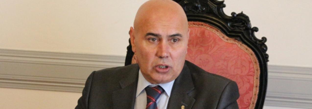 """Câmara da Horta quer reunião urgente para esclarecer """"dúvidas"""" sobre obra no porto"""