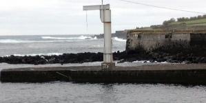 Graciosa // Grua do Porto da Barra inoperacional há quase 3 anos