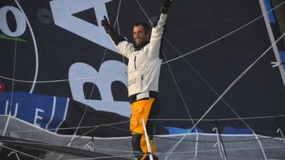 Armel Le Cléac'h vence Vendée Globe e bate mais um recorde