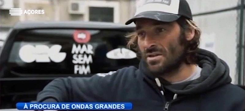 """Surfistas do projeto """"Mar Sem Fim"""" procuram ondas gigantes em São Miguel (vídeo)"""