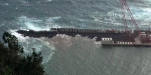 Forte ondulação causa estragos na obra do Porto das Velas
