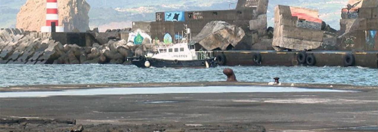 Mar bravo danificou bastante a muralha de proteção do porto da Madalena do Pico (vídeo)
