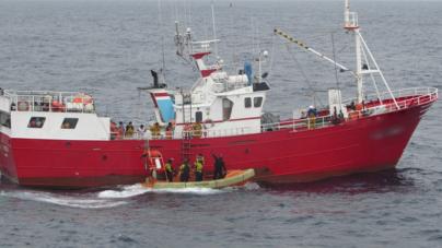 Marinha fiscaliza embarcações de pesca espanholas na ZEE dos Açores