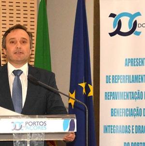 """Investimento no Porto de Ponta Delgada é """"estruturante para a dinamização"""" da economia, afirma Vítor Fraga"""