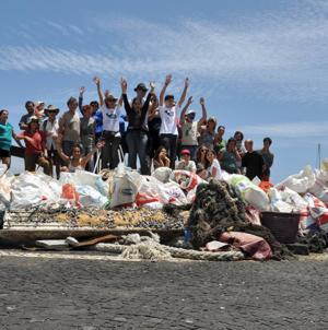 Mais de uma tonelada de lixo marinho recolhido na ilha do Faial