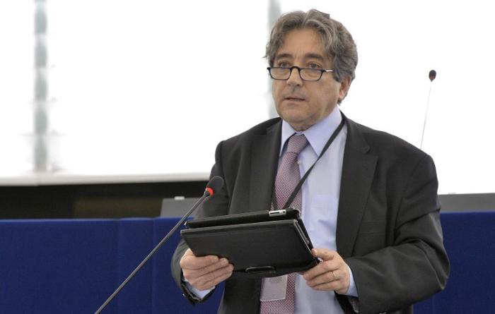 Serrão Santos quer que União Europeia promova pesca turismo