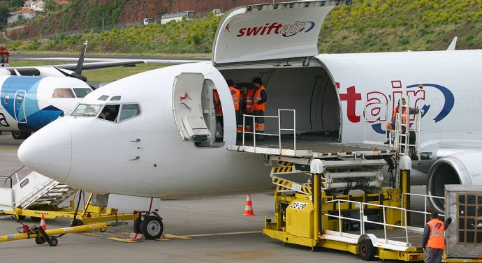 Consórcio que opera com avião cargueiro na Madeira quer voar para as ilhas dos Açores